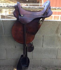 lazy-sp-props-saddles-03
